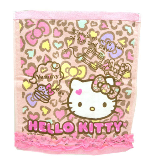衛浴用品_Hello Kitty-大方巾-愛心豹紋